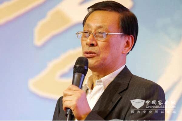 姚明德在中国客车与运营发展高峰论坛