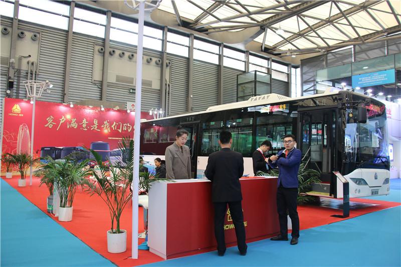 2018上海国际客车展豪沃展台