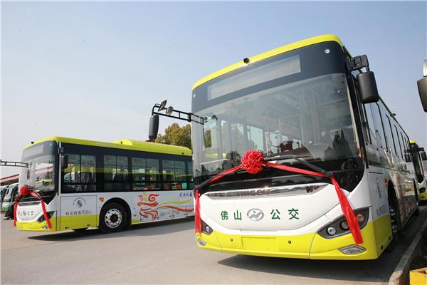 105台海格客车交付广东顺德汽运