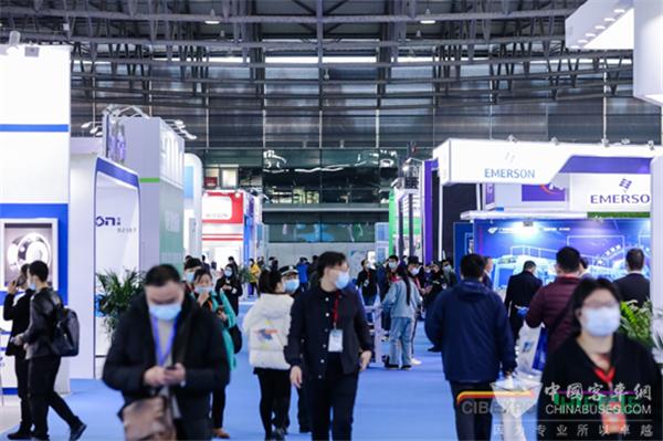 火炎焱燚!CIB EXPO 2020上海国际客车展第二日精彩继续