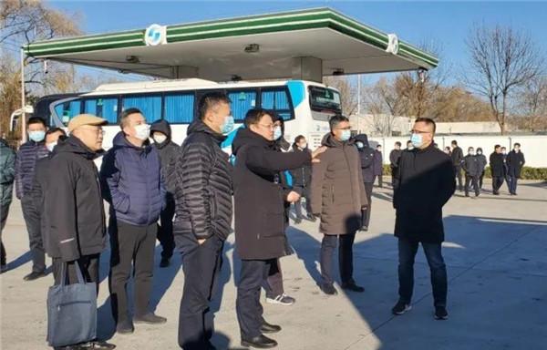 中国石油各分公司领导一行赴亿华通考察