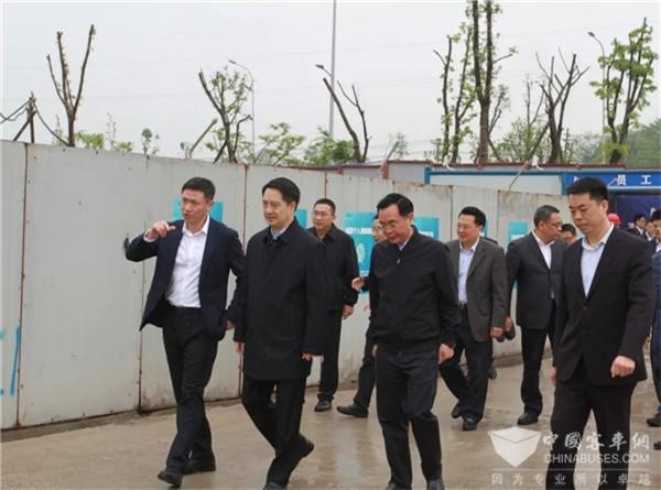 重庆市副市长郑向东莅临重庆中车调研