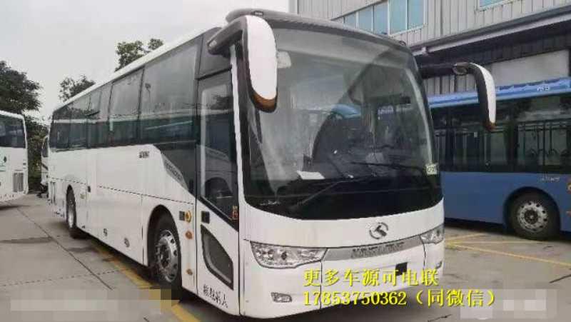 金龙6110型全新客车未上户 2021年3月44座 价格优