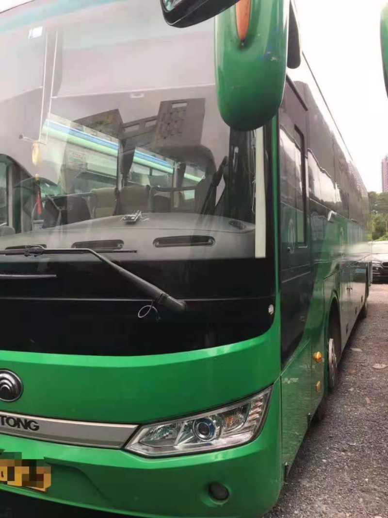 2016年6月 仅此一台67座3+2座椅带中门宇通6125钢板车