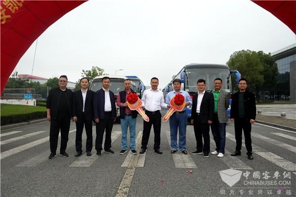 """助力高品质出行,安凯客车迎来广西""""组团""""发车"""