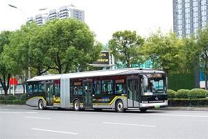 """电动铰接大容量公交 圆了宜昌公共交通的""""地铁""""梦"""