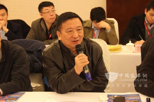 深圳市汽车维修协会副会长、原深圳市运发集团股份有限公司资产机务部部长于怀勇