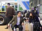 黄海客车品牌传播处处长林崇富接受媒体采访
